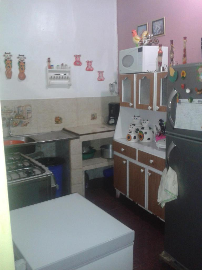 se vende casa en sector la cidra ruiz pineda parroquia caricuao