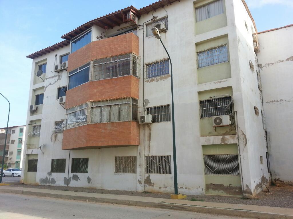 Vendo Apartamento balcones paraguana 1
