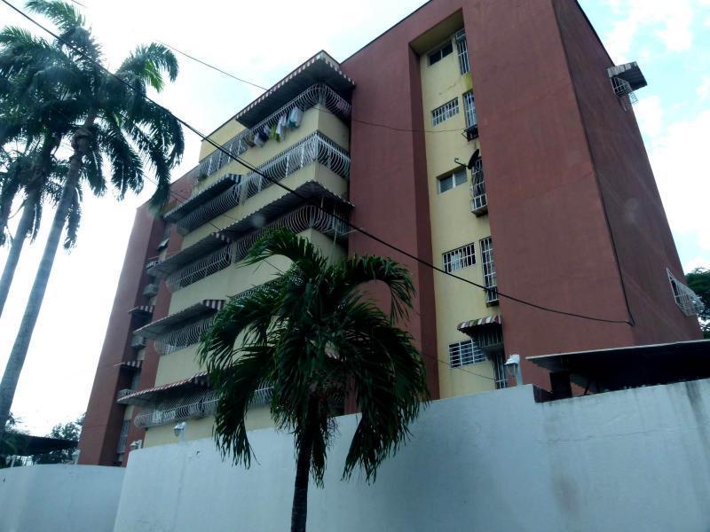 Amplio Comodo y Centrico Apartamento en Venta En El Limon !!