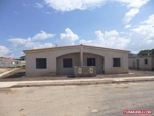 Casas en Venta Urbanización Las Brisas Obra Gris excelente oportunidad