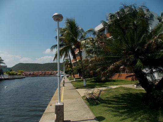 Vendo Apartamento Res. Flamingo. 2 Habitaciones. 87m2. Vista Canal