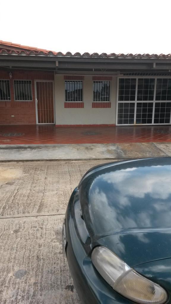 Venta de Casa en Agua Marina Lista para habitar Sector Tipuro