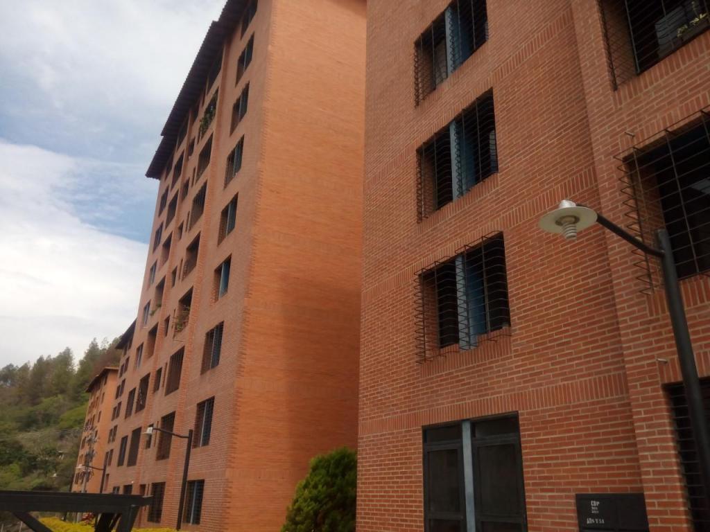 Rafabienes vende hermoso apartamento en rsd valle verde campo claro
