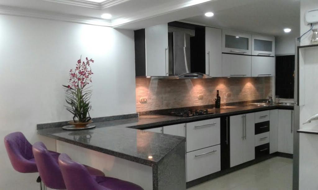 Thays Vendo precioso apartamento en PARQUE HABITAT EL ENCANTADOGuatire 04241817775