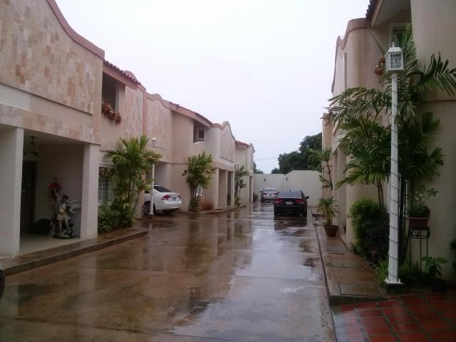 Townhouse en venta En El Sector Juana De Avila
