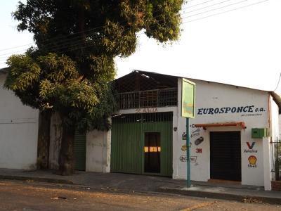 VENTA AMPLIO GALPÓN EN PLENO CENTRO AVENIDA CARABOBO