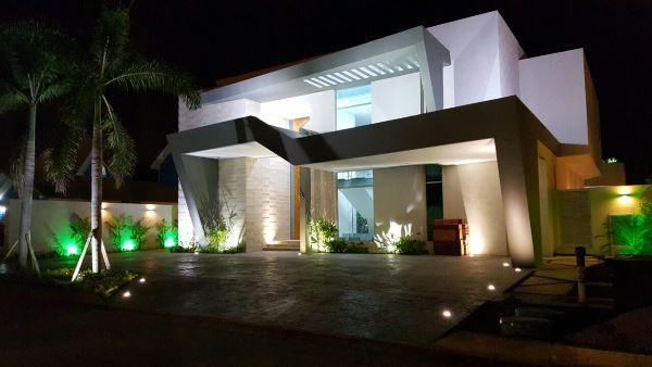 Casa villas lecheria estrenar brick7 propiedad for Casa moderna lecheria