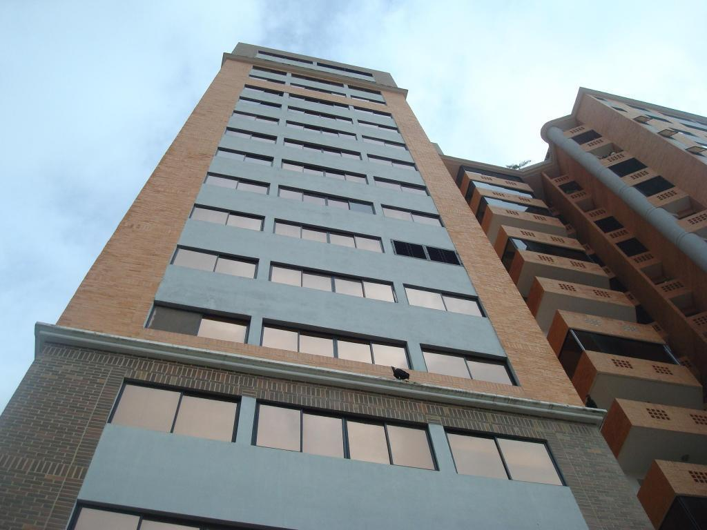 SKY GROUP Vende Penthouse en La Trigaleña
