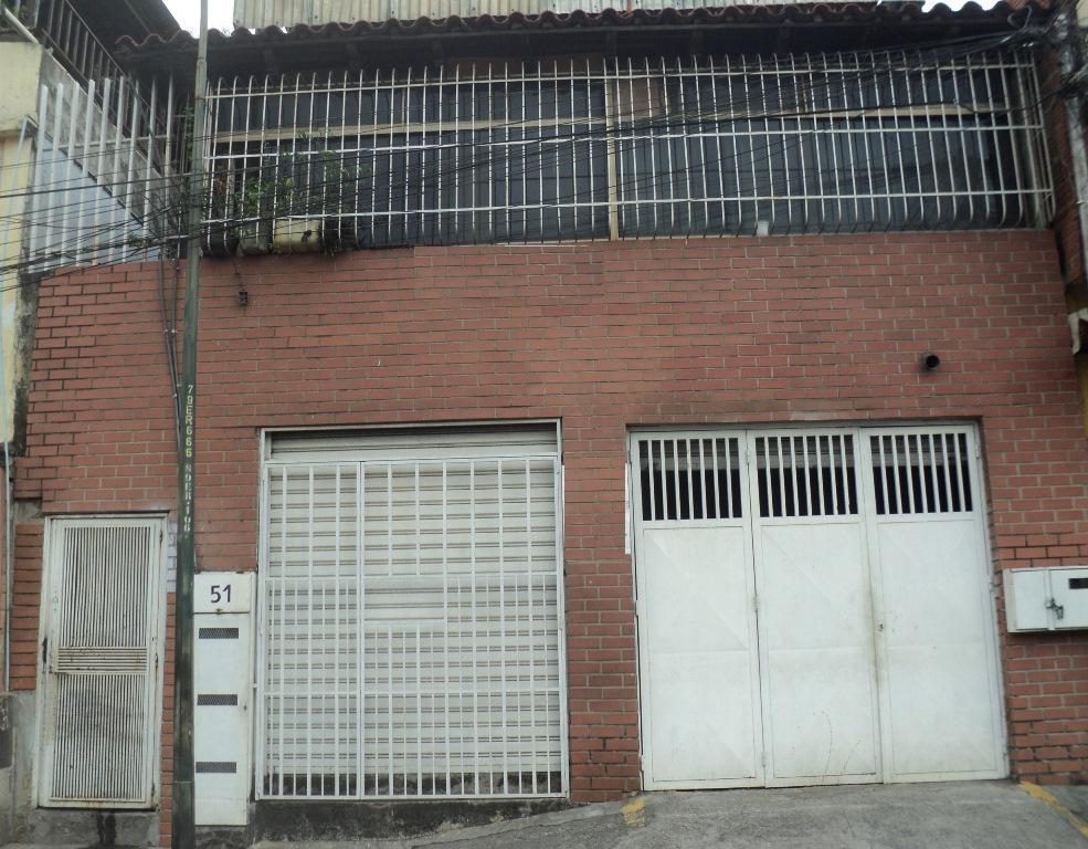 Casa con potencial comercial en centro de Guarenas