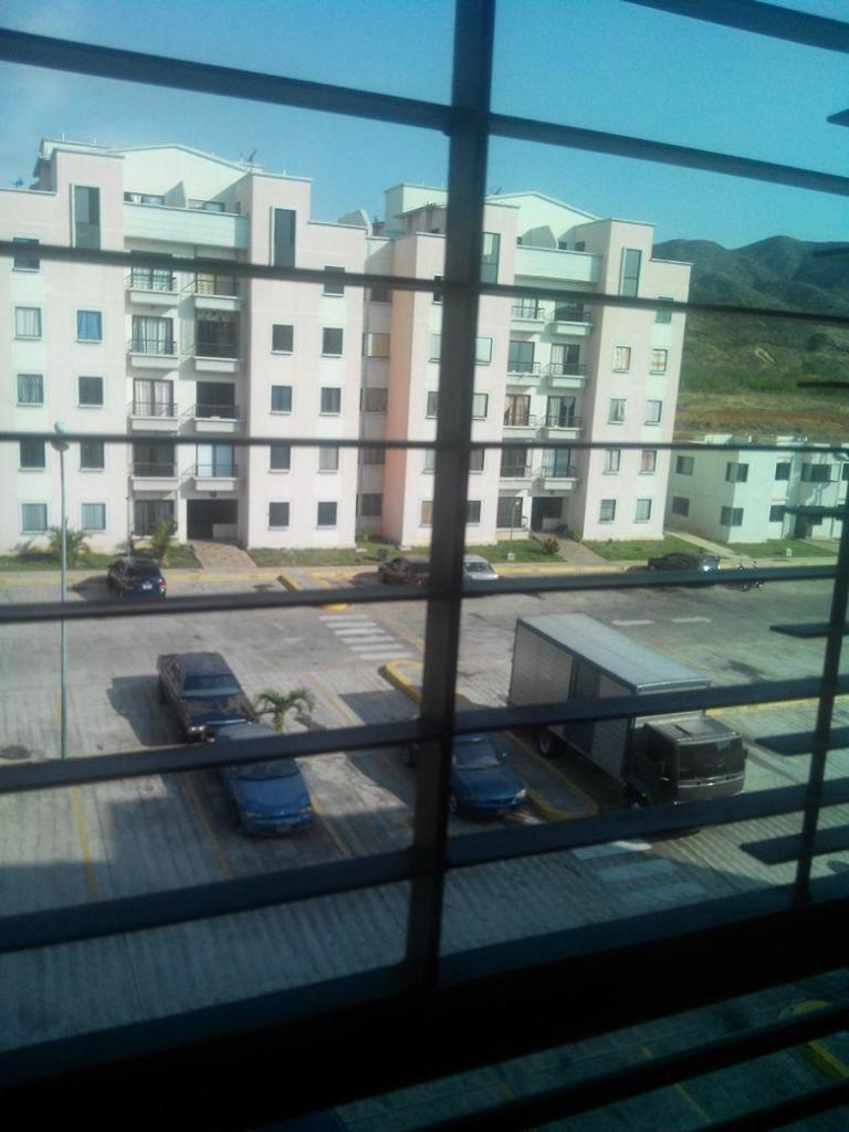Vendo apartamento en urb Portal de San Luis acepto vehiculo credito con inicial
