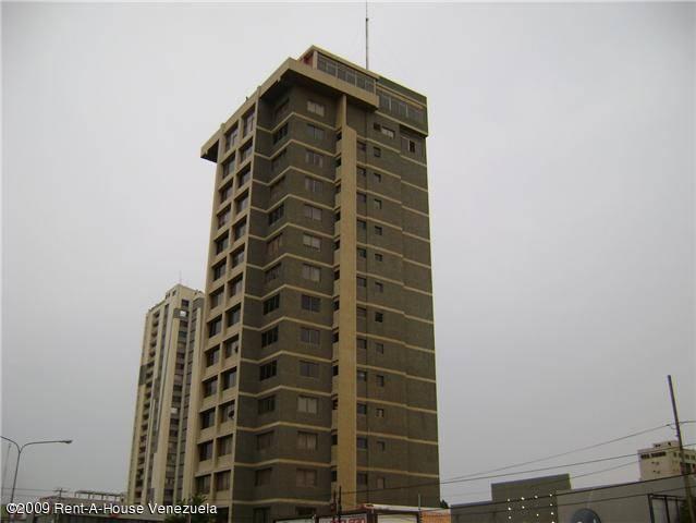 150M Se vende apartamento en avenida 5 de julio Edfi. alcazar suite