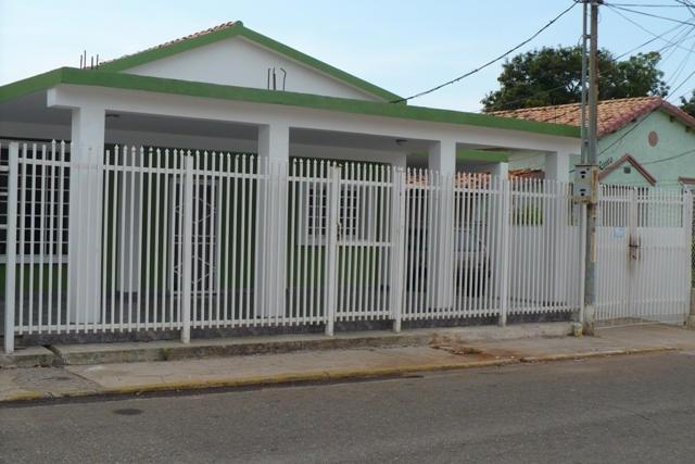 Casa en Venta  Luis Collantes Rentahouse Codigo MLS 1614406