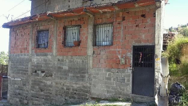 Cambio casa en Guarenas