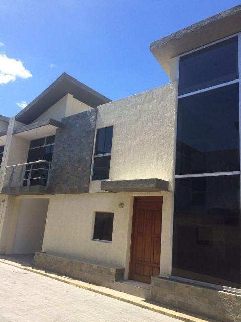 Q137 Se vende hermoso Town House en Naguanagua, Consolitex