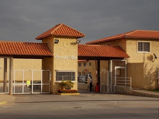Vendo Bello Townhouse Res. Casas del Sol. Nueva . 2 Habitaciones