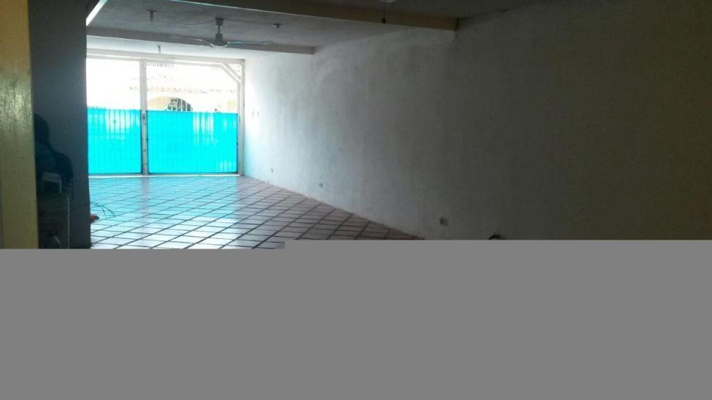 VENDO TOWNHOUSE 187 M2 URB PEDREGAL CONTRY