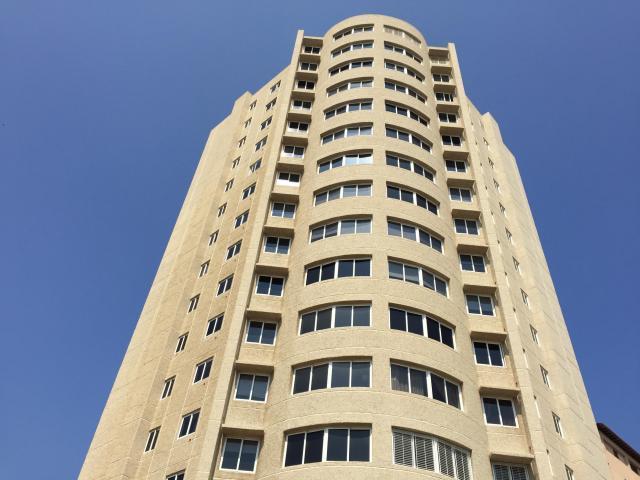 Apartamento Maranello en Av. 8 en Venta en Santa Rita LLAME A SHIRLEY URDANETA COD: 17625