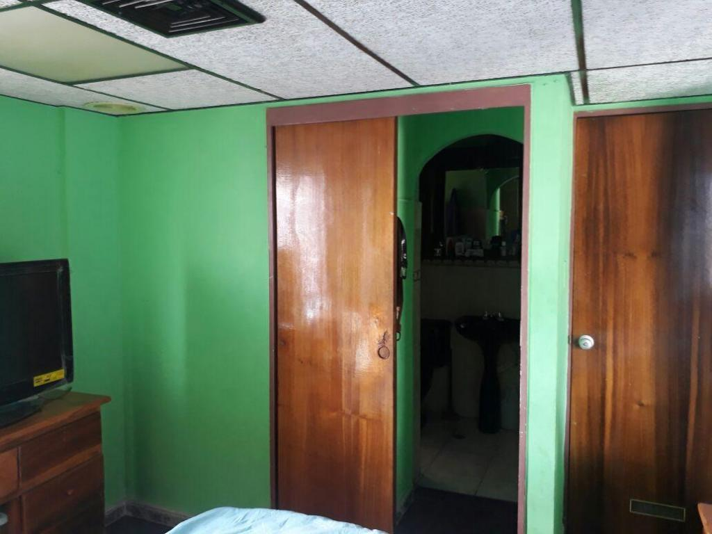 Remato Apartamento la Candelaria av. Urdaneta Centrico 4 h 2 b Precio Bsf