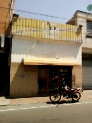 GRAN OPORTUNIDAD VENDO LOCALCASA EN PLENO CENTRO DE MARACAY