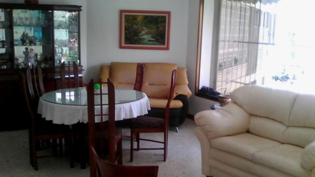 Venta de Apartamento Av. Páez El Paraiso 108 mt