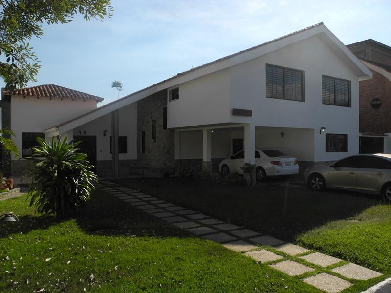 Marie Gomez Vende Casa Urb. Guataparo  2 niveles