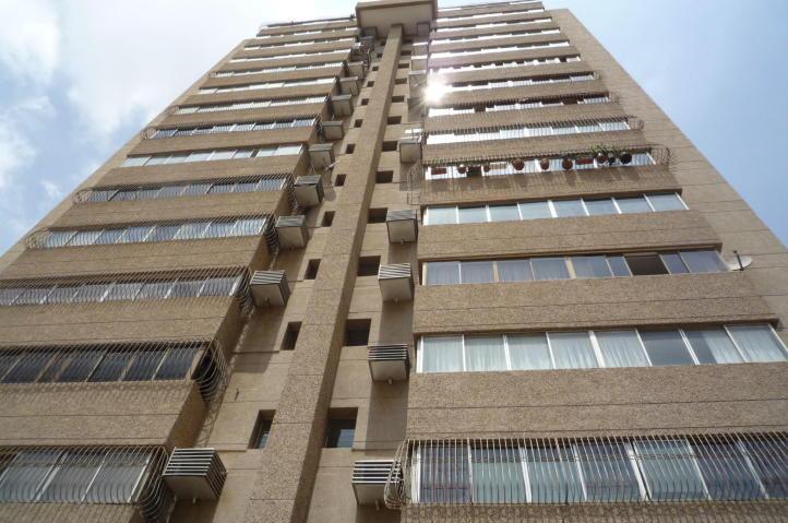 Amplio Apartamento en Venta en Tierra Negra, Excelente Oportunidad 1614762