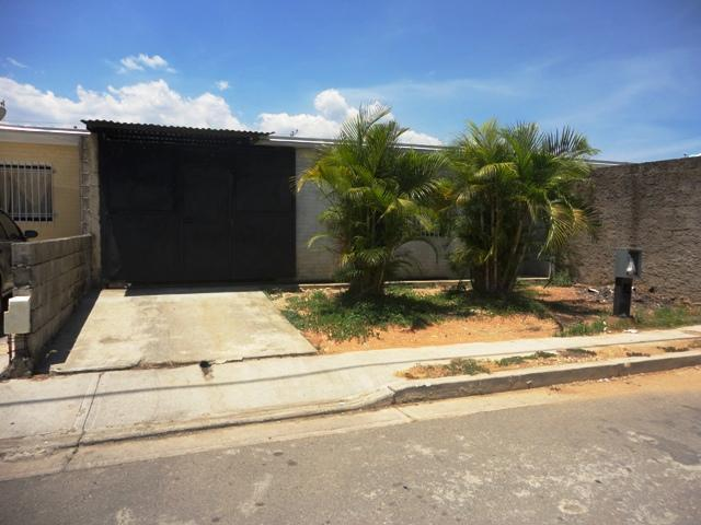 Linda Casa en la Urbanizacion Santa Paula Tocuyito, Verla es Comprarla , Facil Acceso!!