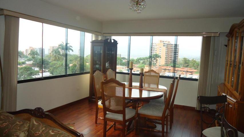 vende Bello amplio iluminado apartamento en nueva Segovia