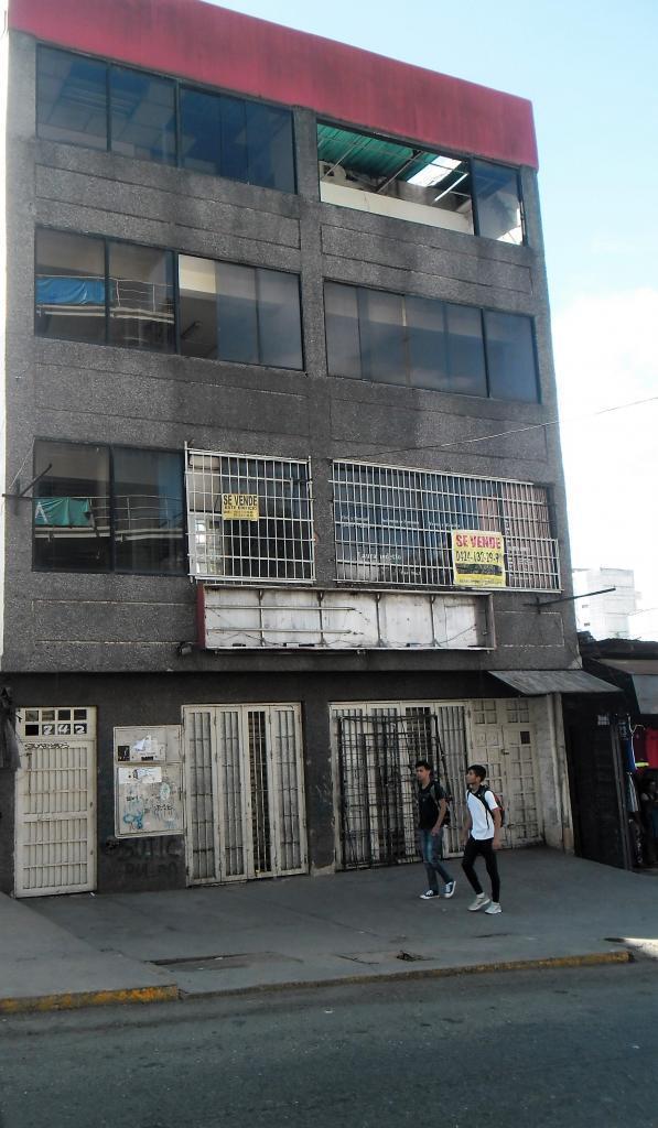 Edificio en Los Teques