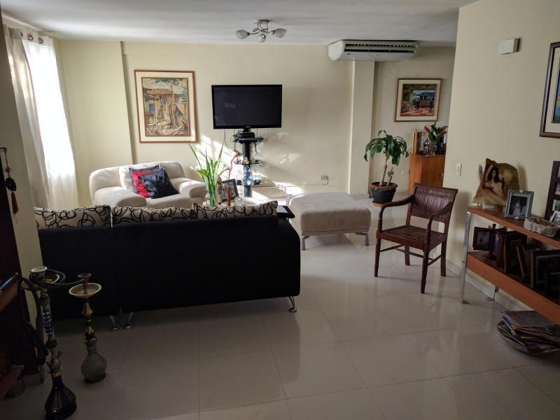 EN VENTA BELLO TOWNHOUSE UBICADO EN LOS GUATAPARO, . CODIGO FLEX:171667