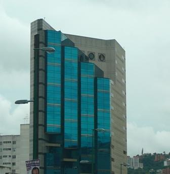Alquiler de local torre centrum el recreo