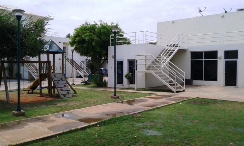 EDWIN ANDRADE Vende Townhouse La Plaza Avenida 16 Goajira 175680