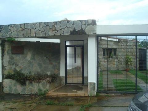 Se Vende Casa en , URB El Parral TPC045
