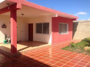 Vendo bella casa en Santa Elena,Punto Fijo, Rent A house Maigualyda Figueroa