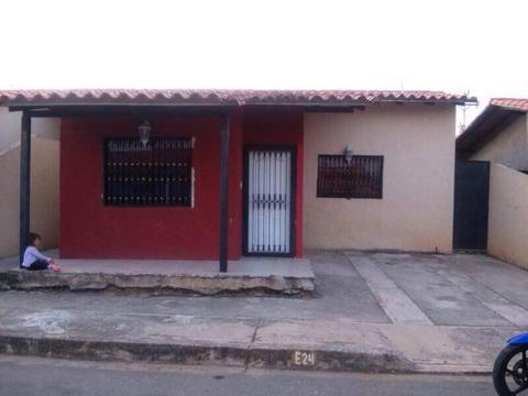 Bienes y Raices las Nieteras C.A. vende casa en alto , en la urbanización Don Simon