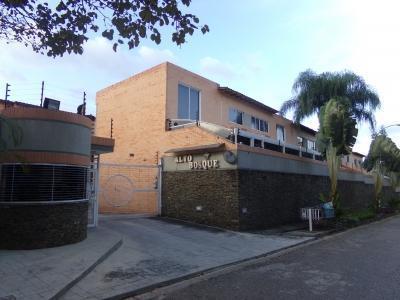 Venta de Townhouse en El Bosque Valencia Carabobo