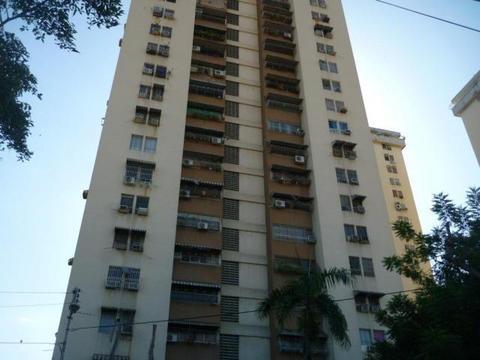 Apartamento En Venta En Urb. El Centro Maracay Codigo FLEX 18298