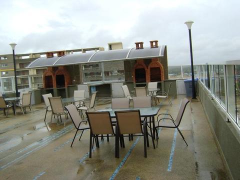 SKY GROUP Vende Hermoso Apartamento en Tucacas Residencias Varadero Suites
