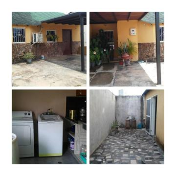 Se vende lindo chalet ,Urb.Valle Verde Country...Zona Industrial