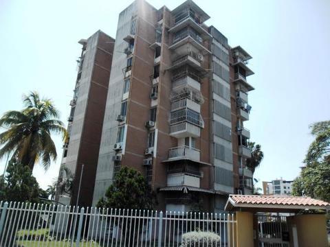 185408 Se Vende Centrico Apartamento en Maracay