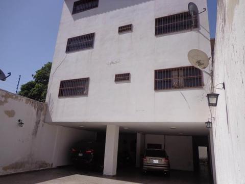 187278 Se Vende Compacto y Centrico Apartamento en La Victoria