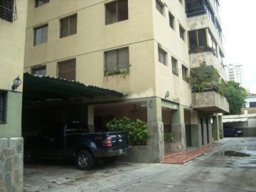 Vendo amplio apartamento Sector Agua Blanca