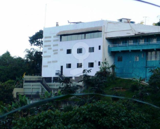 • Quinta en venta. Calle principal de Hoyo de La Puerta, Hoyo De La Puerta
