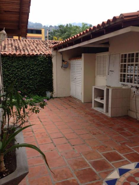 En venta Bella Quinta URB. LA MARA 540Mts2