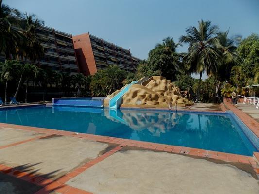 Vendo Apartamento Amoblado Res. Puerto Bahía. Lecheria. 97m2. 3 Habitaciones